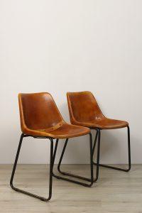 M2010-120_Set oranje leder kuipstoel met slede_hoofdfoto